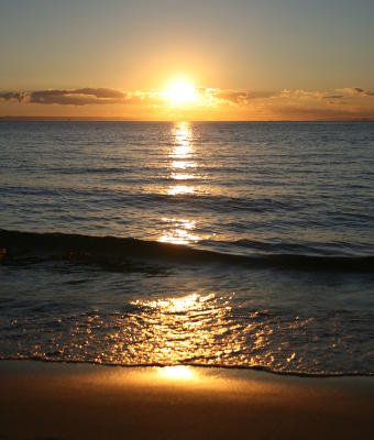 Enjoy the stunning sunsets while enjoying your holiday on Moreton Island